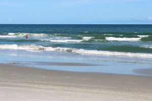 A peaceful beach in Myrtle Beach, one of the many that make moving to Myrtle Beach so appealing