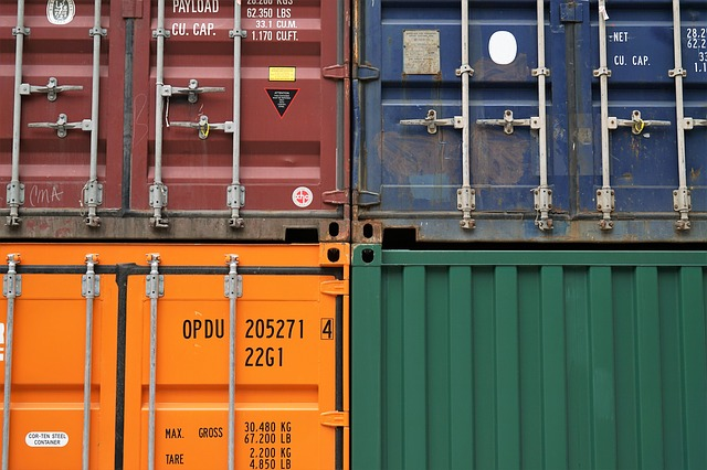 Moving containers in different colors you can consider when renting a moving container.
