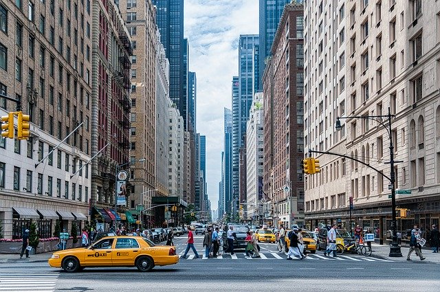 Manhattan Street - What to expect from life in Manhattan