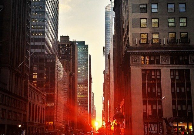 Manhattan Sunset - What to expect from life in Manhattan