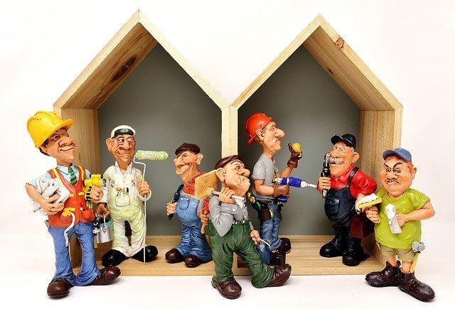 Figurines of builders.