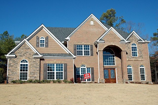 New home - When you get one, learn what factors to consider before moving to Highlands Ranch.